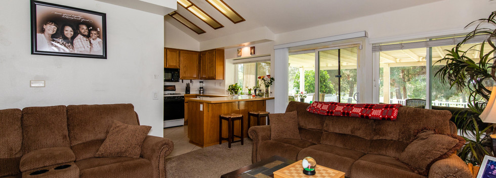 7300 Linares Ave-int-6.jpg