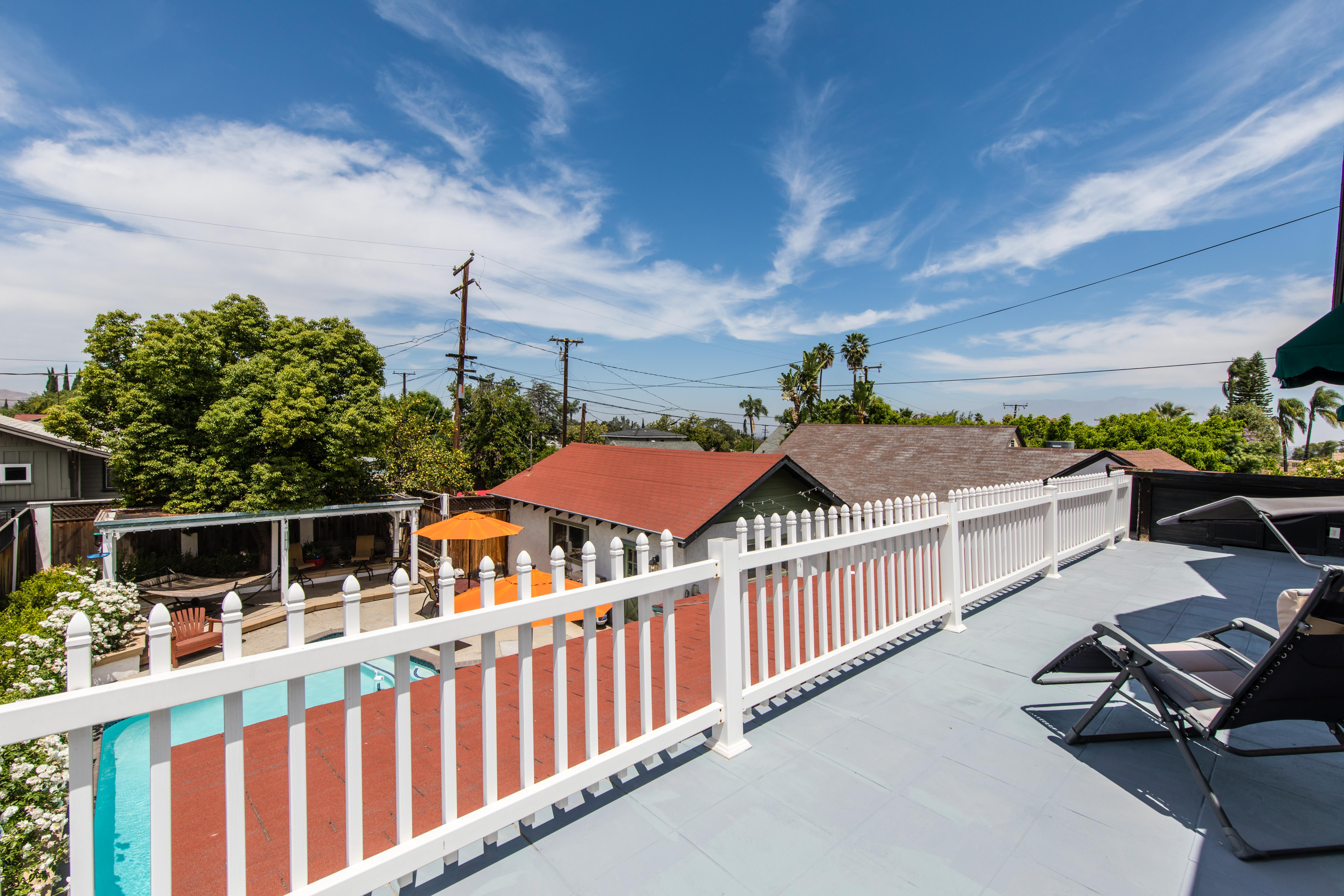 1518 S Main St-ext balcony-3