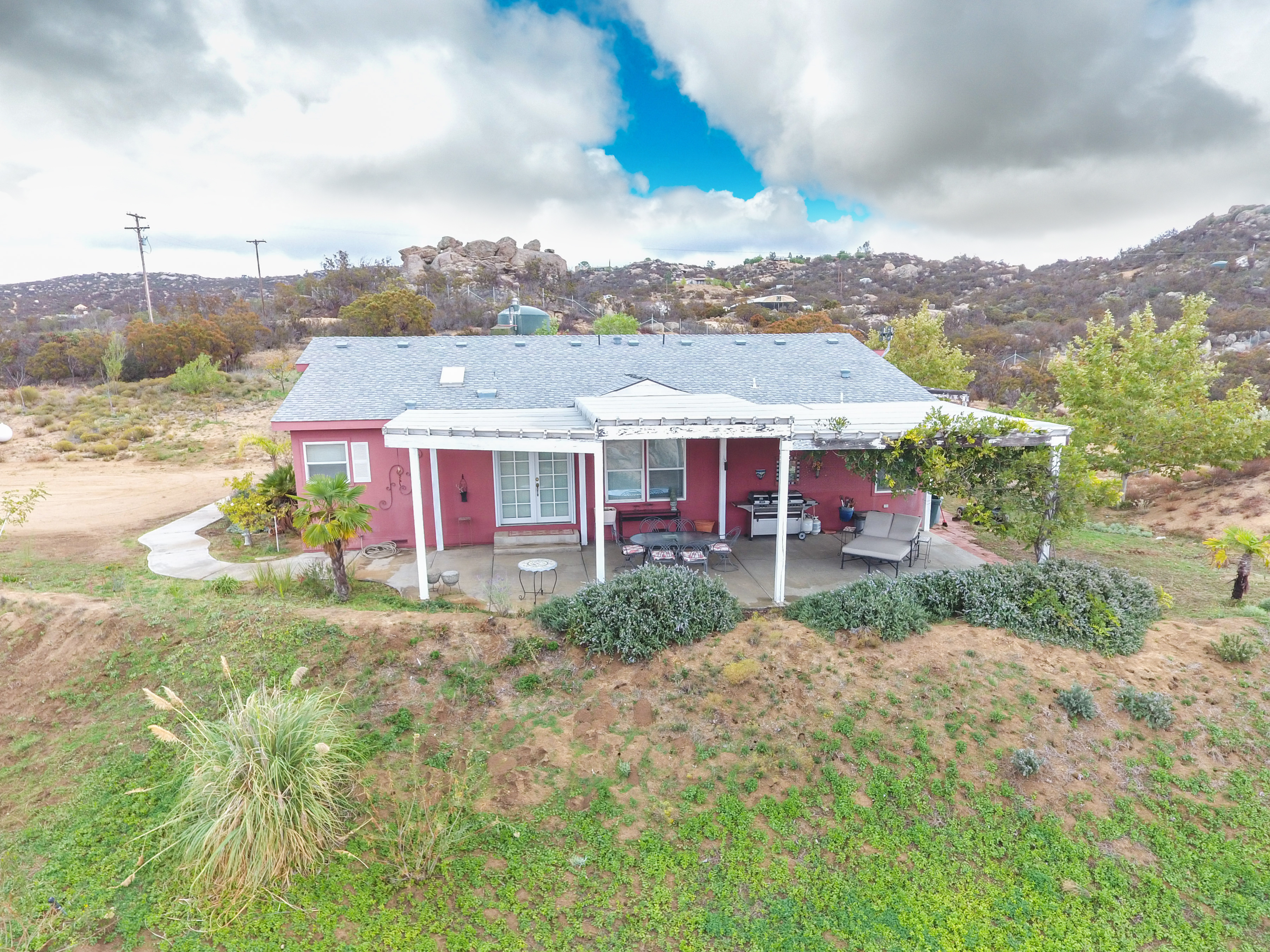 48200 Leff Rd-ext-1