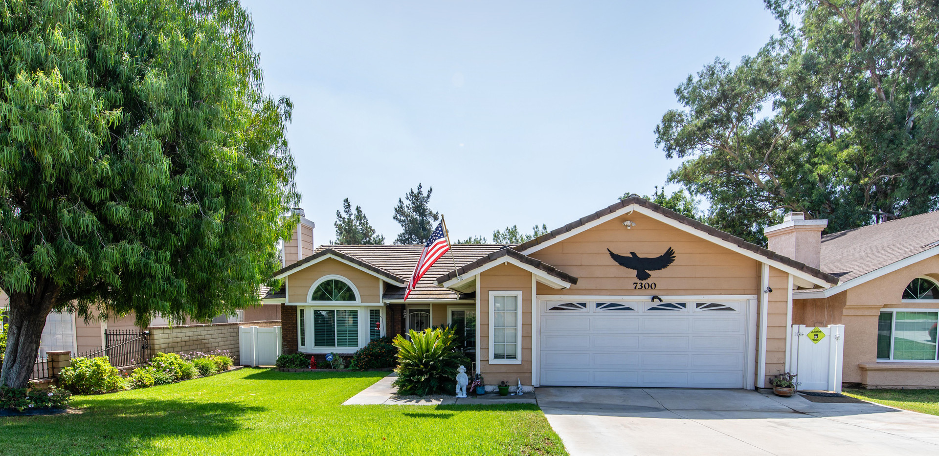 7300 Linares Ave-ext-8.jpg