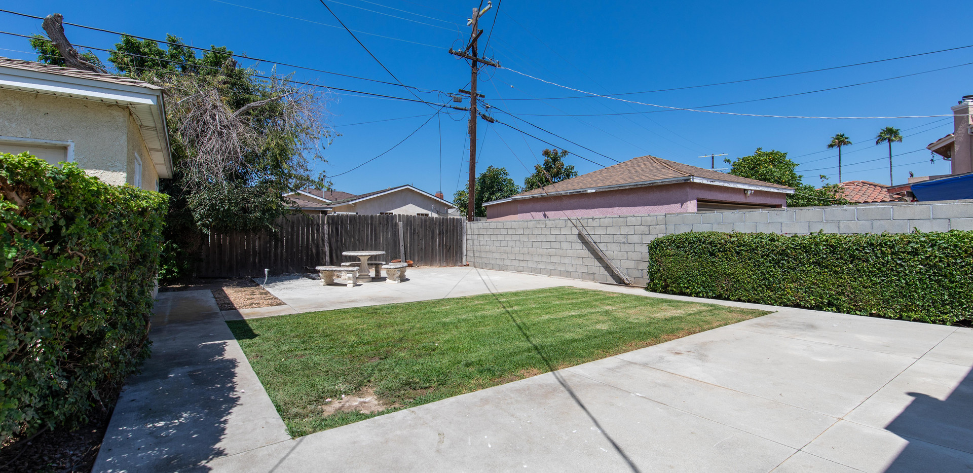 24727 Seagrove Ave-ext-6.jpg