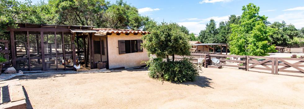 41225 Avenida De Los Posas-ext-35.jpg