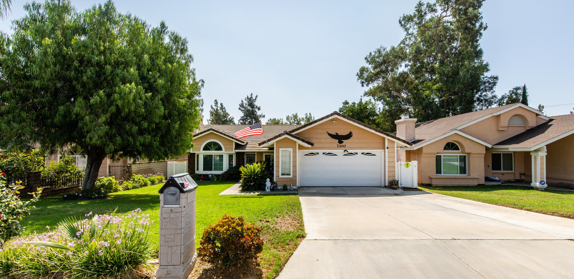 7300 Linares Ave-ext-7.jpg