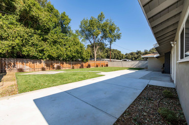 5325 Greenbrier Dr-ext-4.jpg