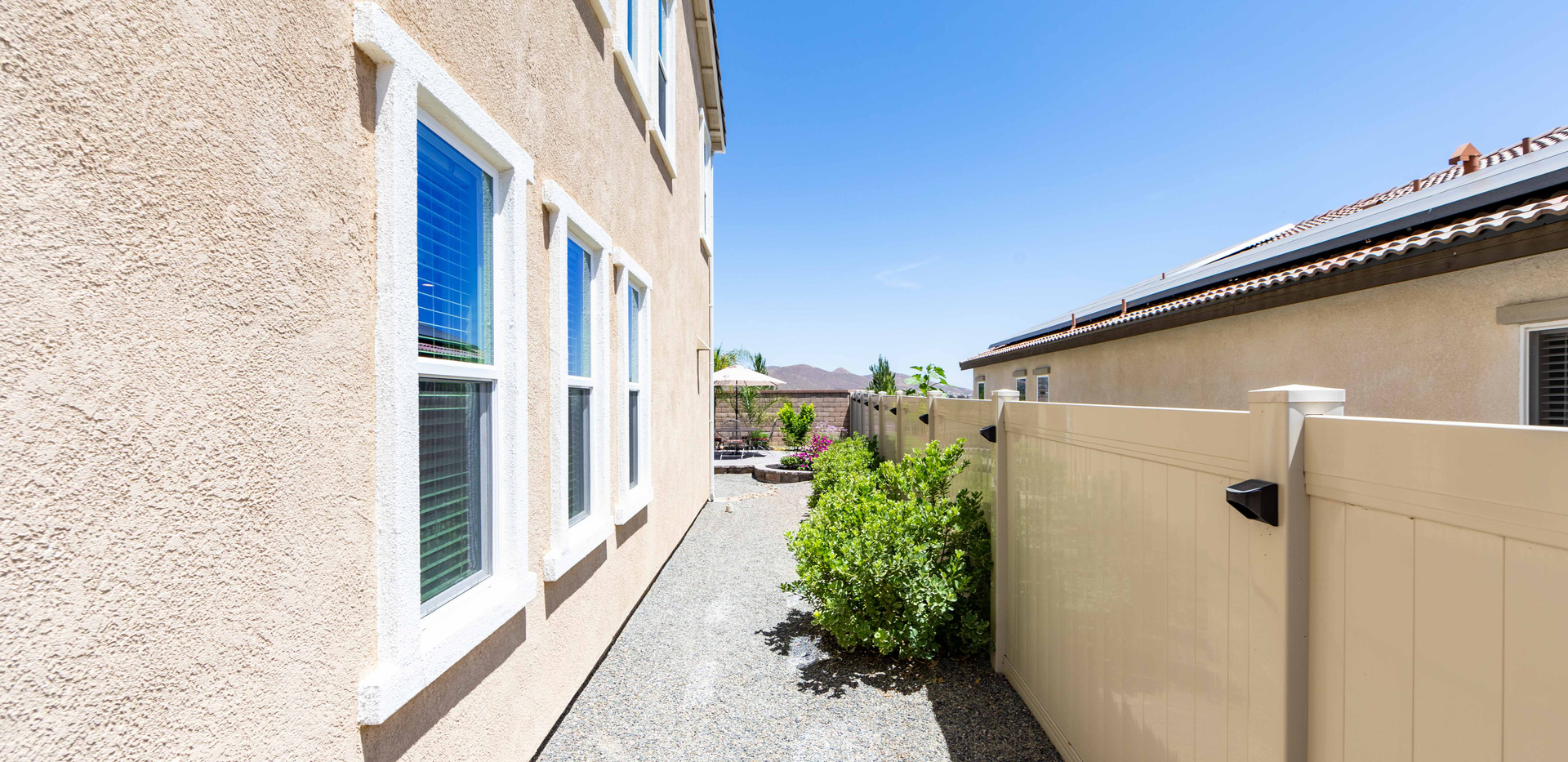 24896 Coldwater Canyon Tr-ext-13.jpg