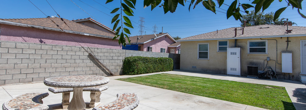 24727 Seagrove Ave-ext-5.jpg