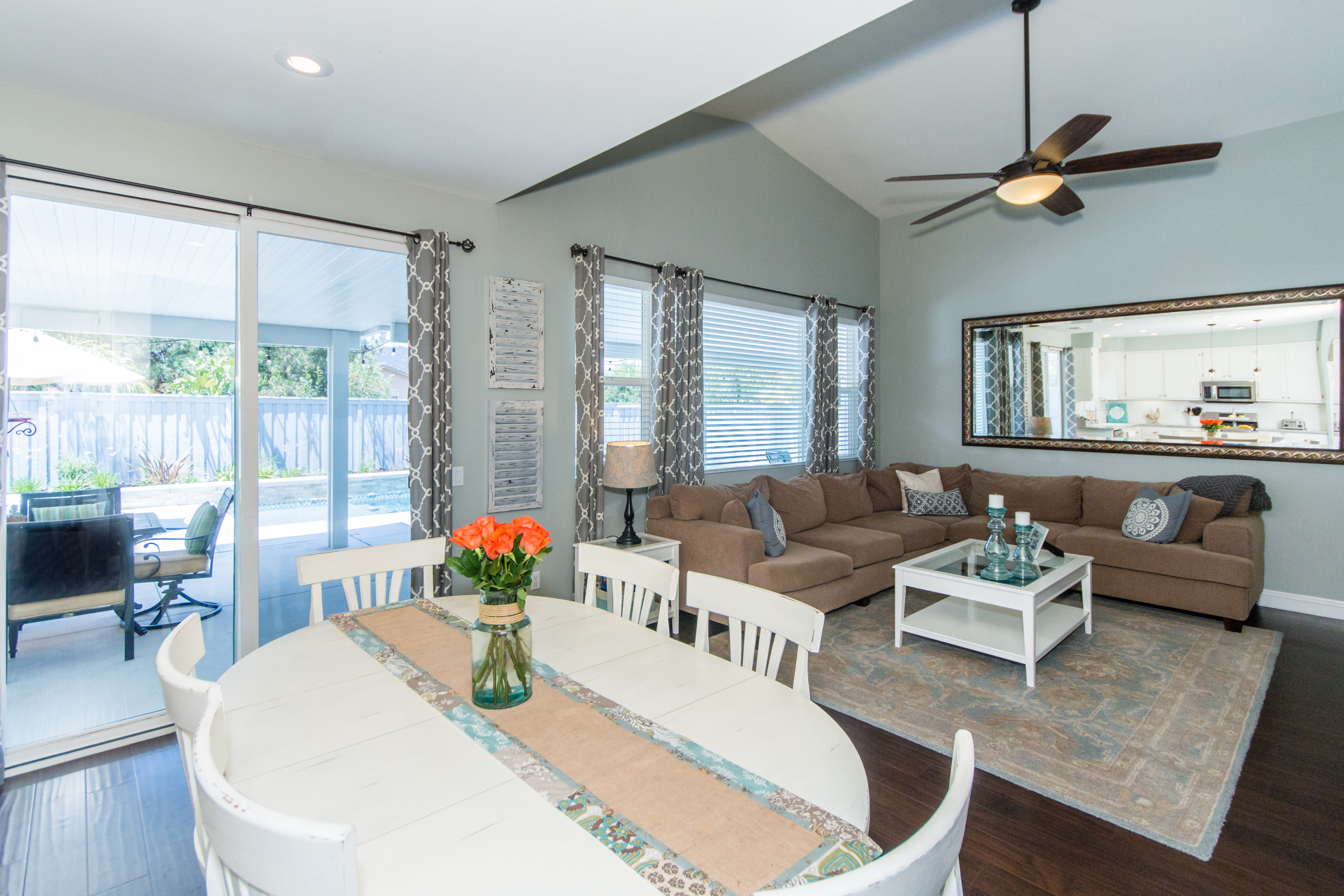 23841 Barberry -int-11