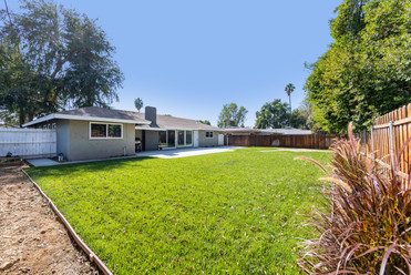 5325 Greenbrier Dr-ext-6.jpg