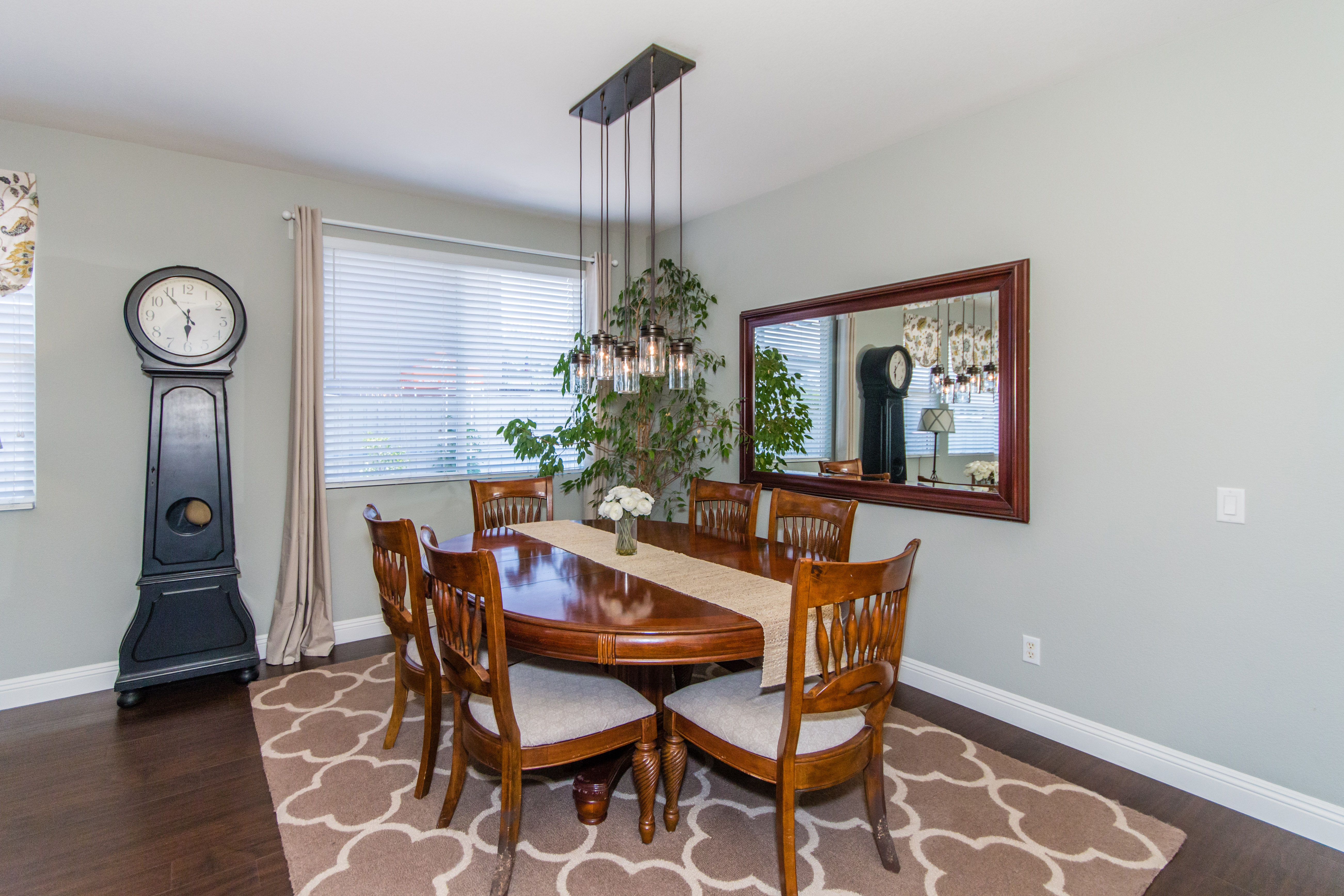 23841 Barberry -int-4