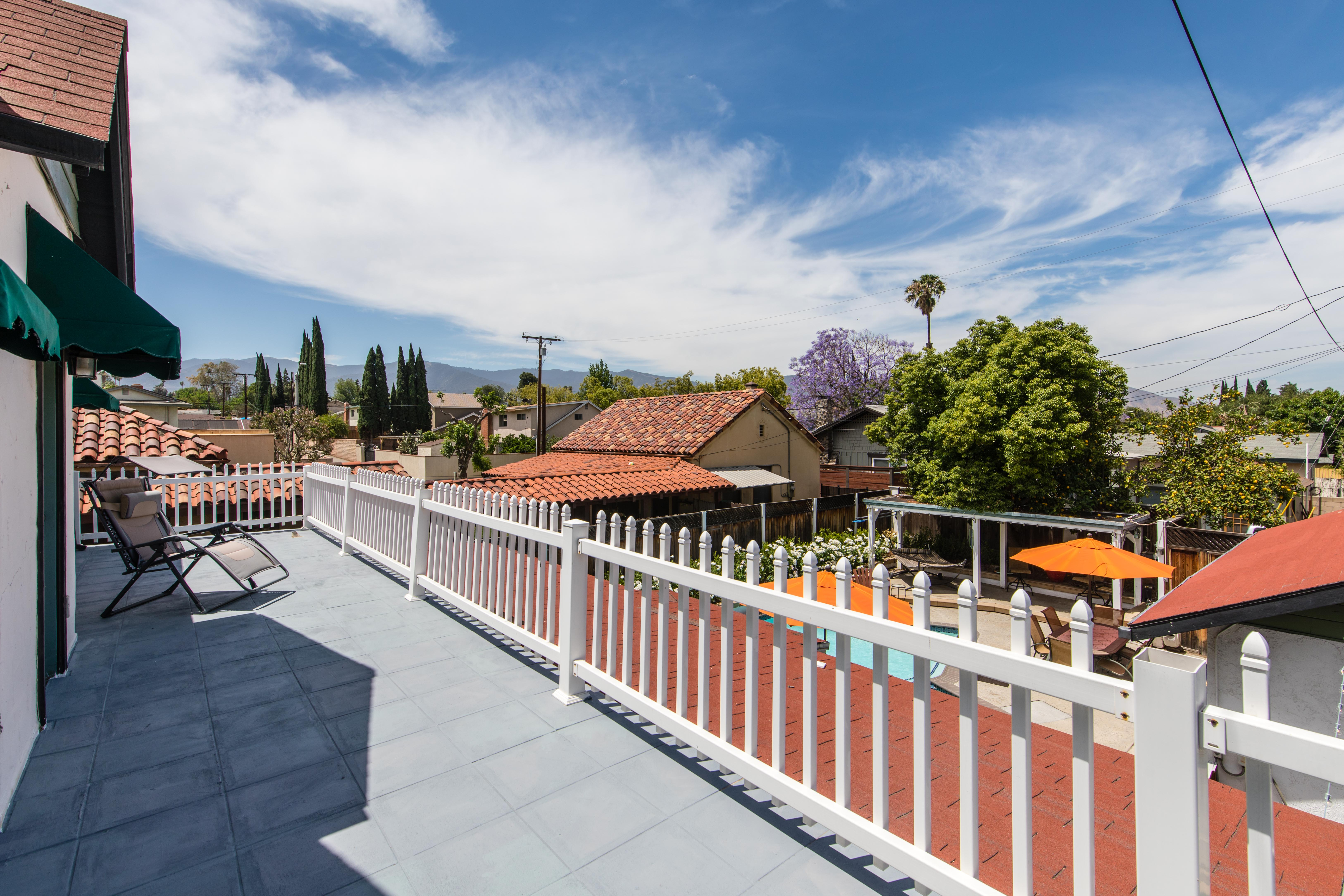 1518 S Main St-ext balcony-1