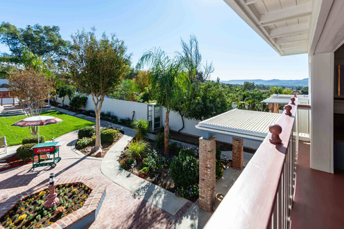 33200 Windtree Ave-balcony-1.jpg