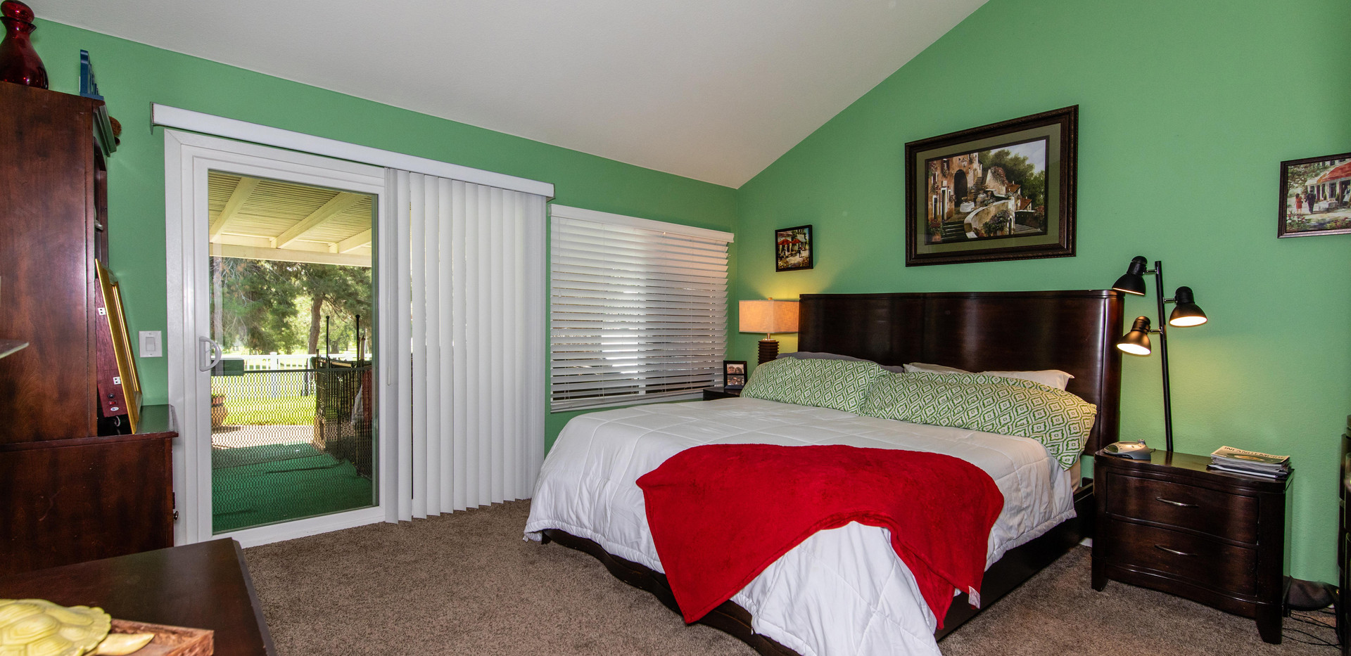 7300 Linares Ave-int-20.jpg