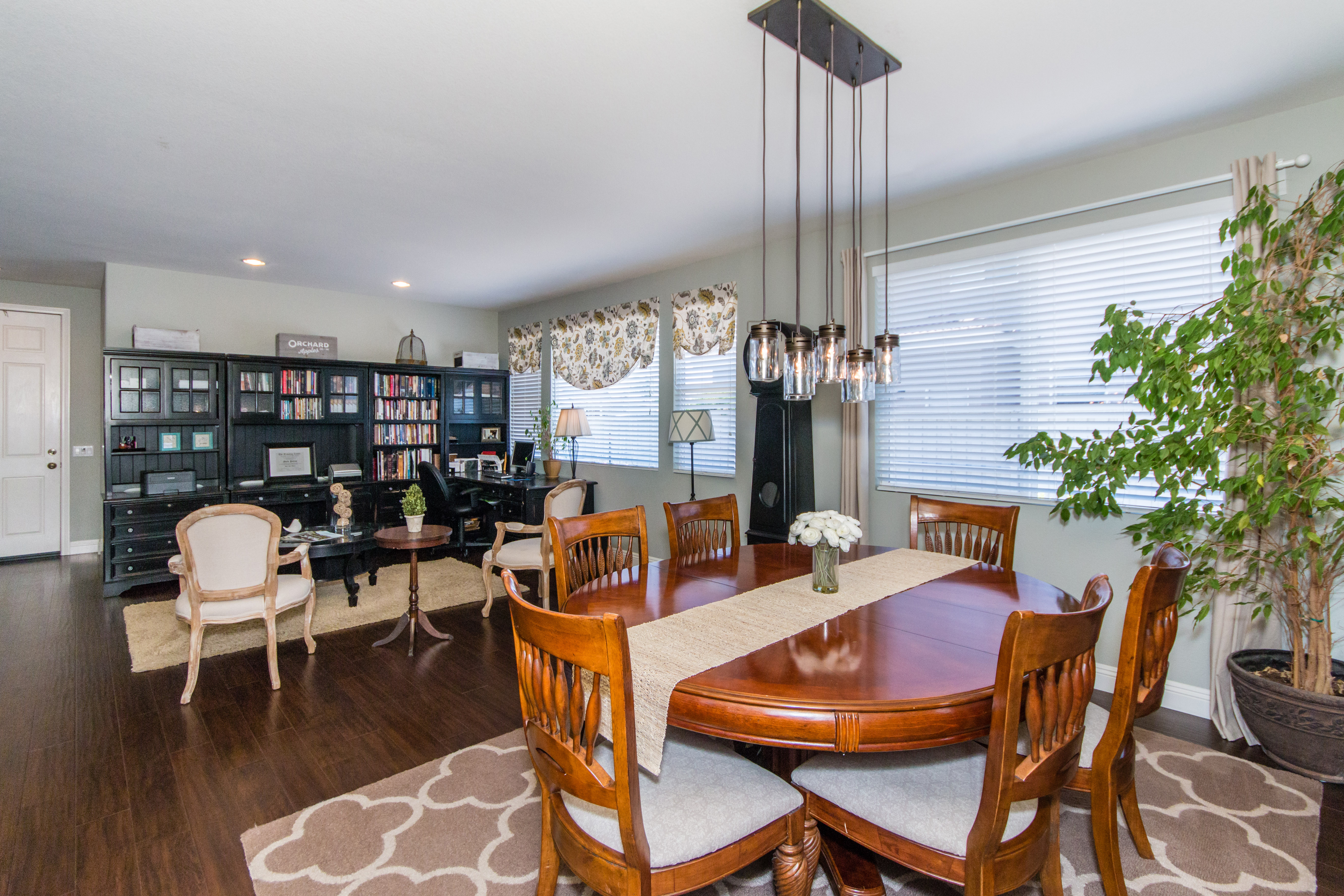 23841 Barberry -int-5
