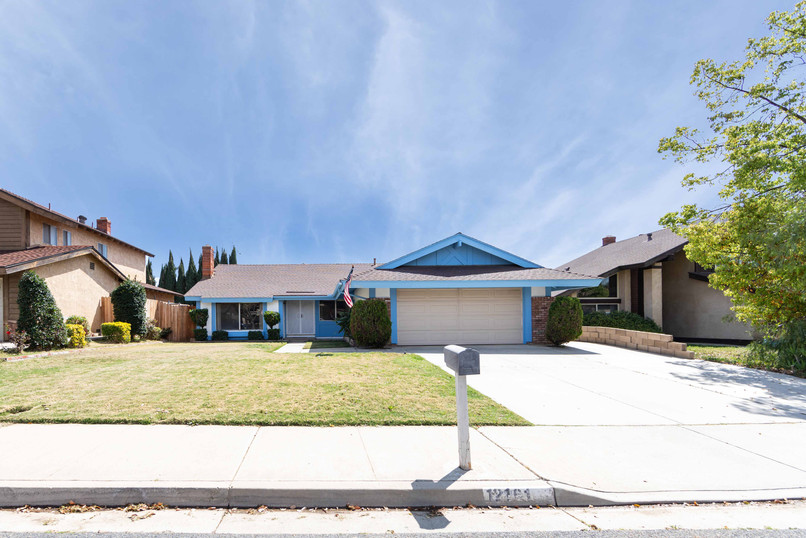12161 Harclare Dr-ext-1-1.jpg