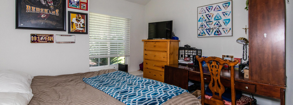 7300 Linares Ave-int-17.jpg