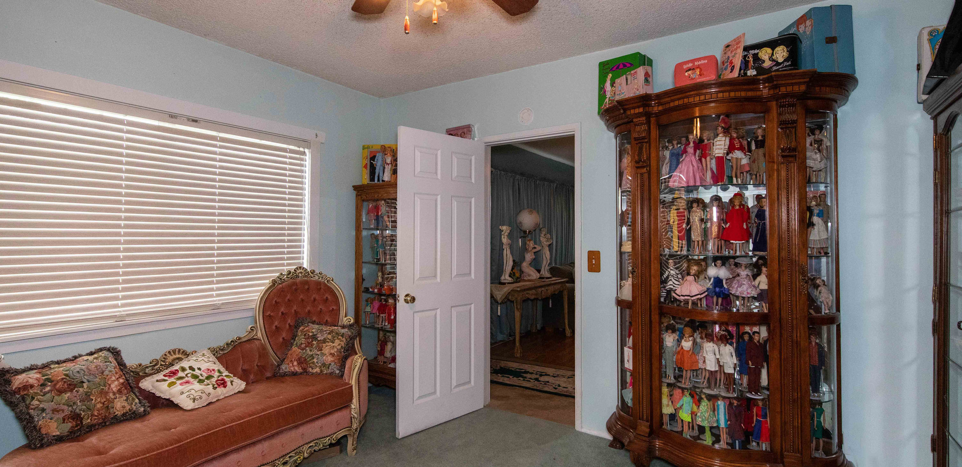 41485 Johnston Ave-int main-6.jpg