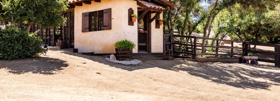 41225 Avenida De Los Posas-ext-33.jpg