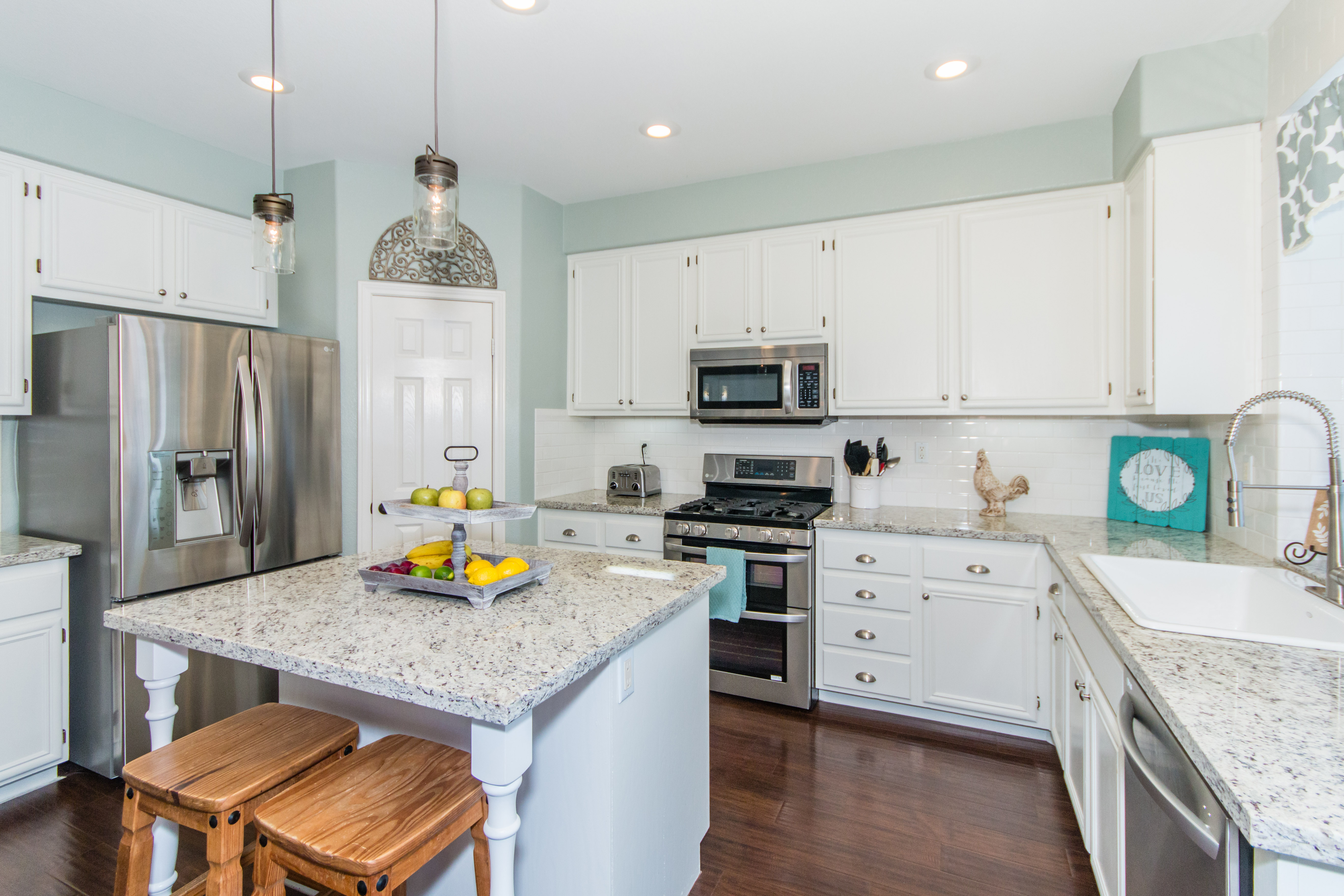 23841 Barberry -int-8