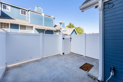 219 S Redwood Ave #7-ext-9.jpg