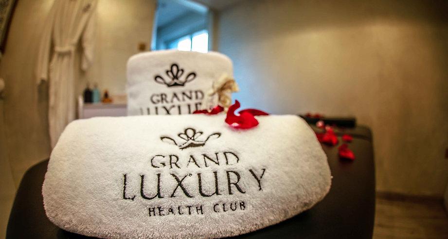 grand luxury.jpg