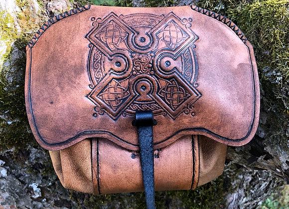 Bältesväska mediumstor - Celtic cross