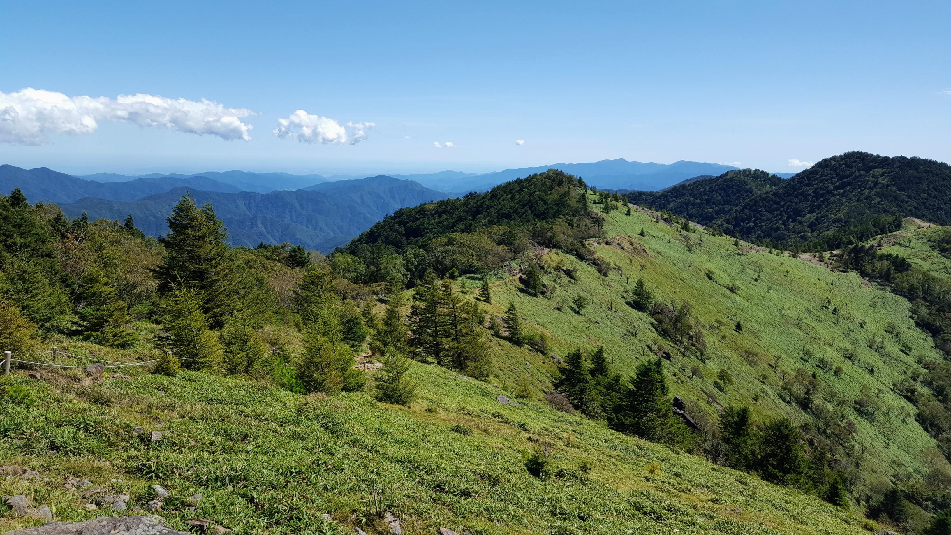 大菩薩峠への稜線、天空散歩