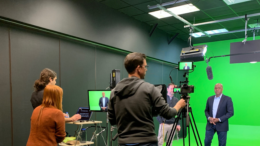 Green Screent Studio - Fully Equipped. Teleprompter Services.