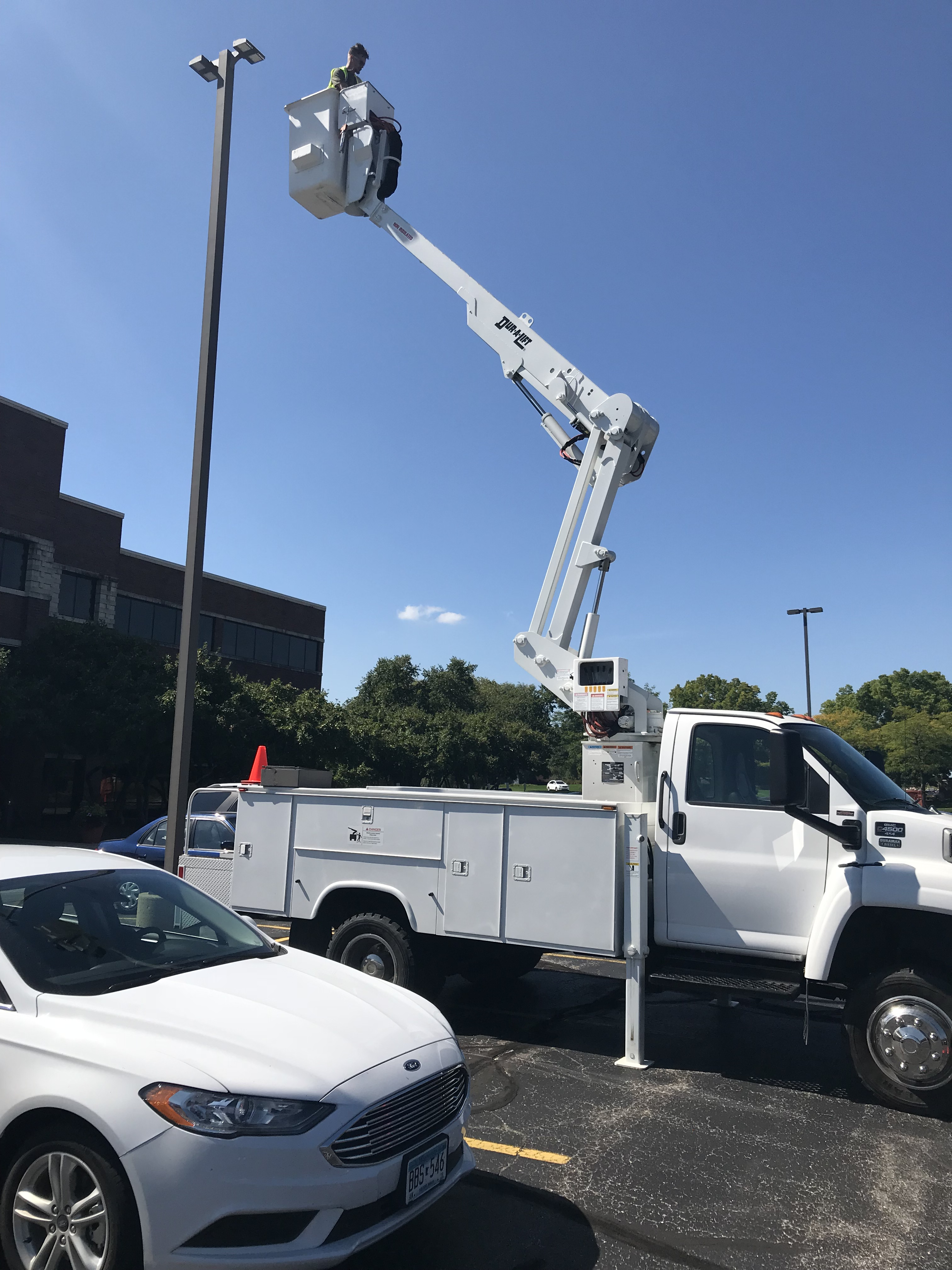 400 watt parking lot lights to LED
