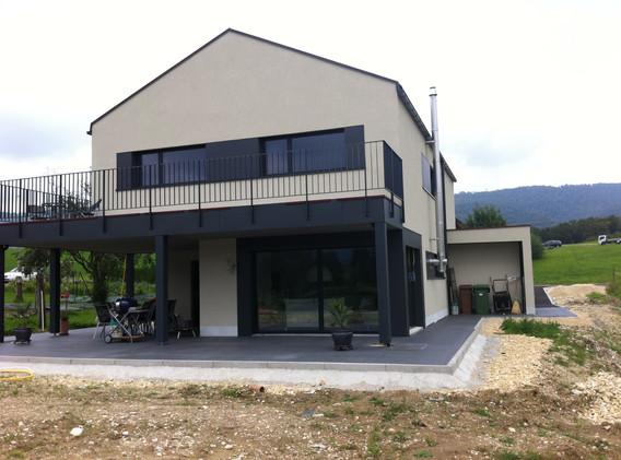 Villa à Develier