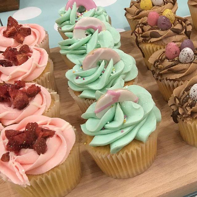 Strawberry & white choc, bubblegum or mini egg_ Which would you choose_ 😋 #cake #cupcake #cakes #cu