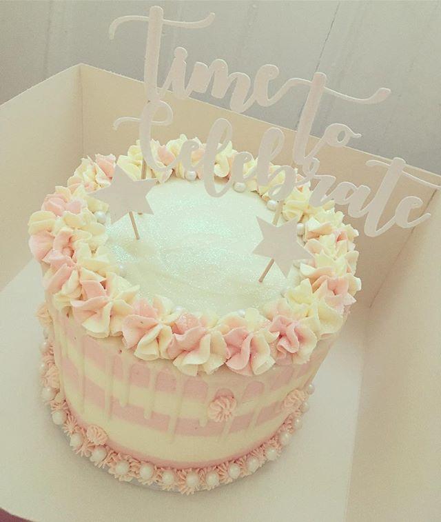 Raspberry & vanilla cake for a lovely oc