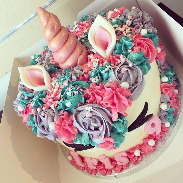 Chocolate & caramel unicorn 🦄✨🍭🎂