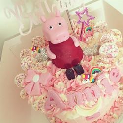 Annie's 3rd birthday cake! 🙊😍🎂 hope y