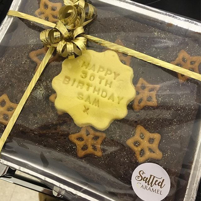 Did you know you can personalise any of your trays with an edible message for £2 _ 😍❤️🎁 yes please