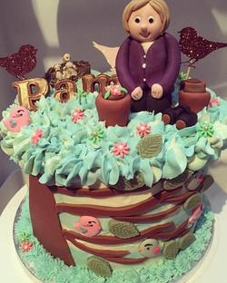 Pam's retirement cake.. 💚