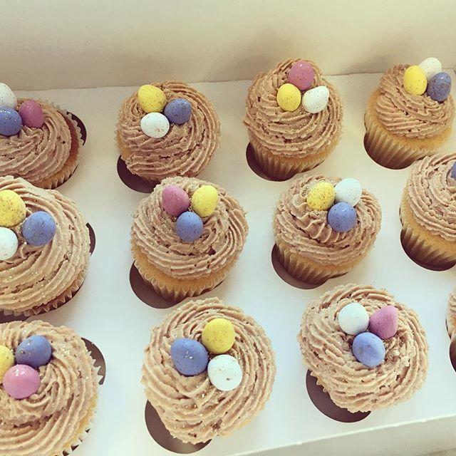 Box of 12 nest egg minis for £12 🐥✨💛 perfect to place round the house for an Easter hunt! DM to or
