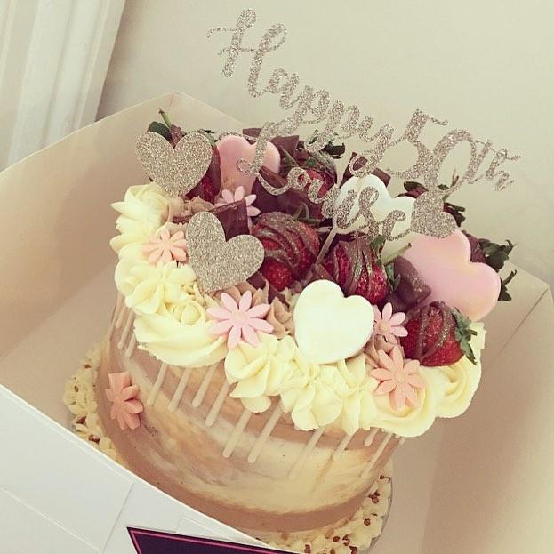 Louise's 50th birthday cake 😍🎂💖🍫🍓🌸