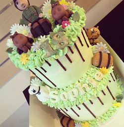 Sophie's 18th birthday cake 🙊😍✨🎂 desi