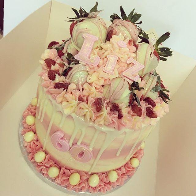Strawberry & white choc 😍❤️🍓._._._._