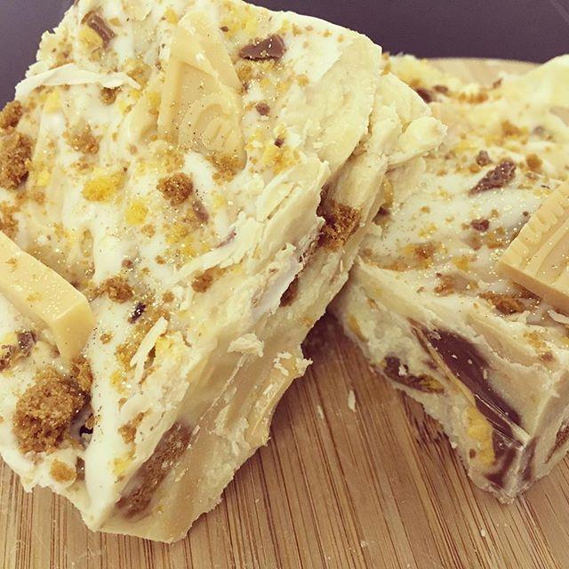 Caramac, biscoff & crunchie rocky road 😍._._._._