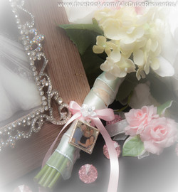Quinceñera bouquet pendant
