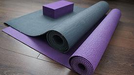 yoga-3967979_1920.jpg