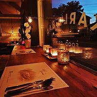 Karlis Bar Innenansicht romantisch.jpg