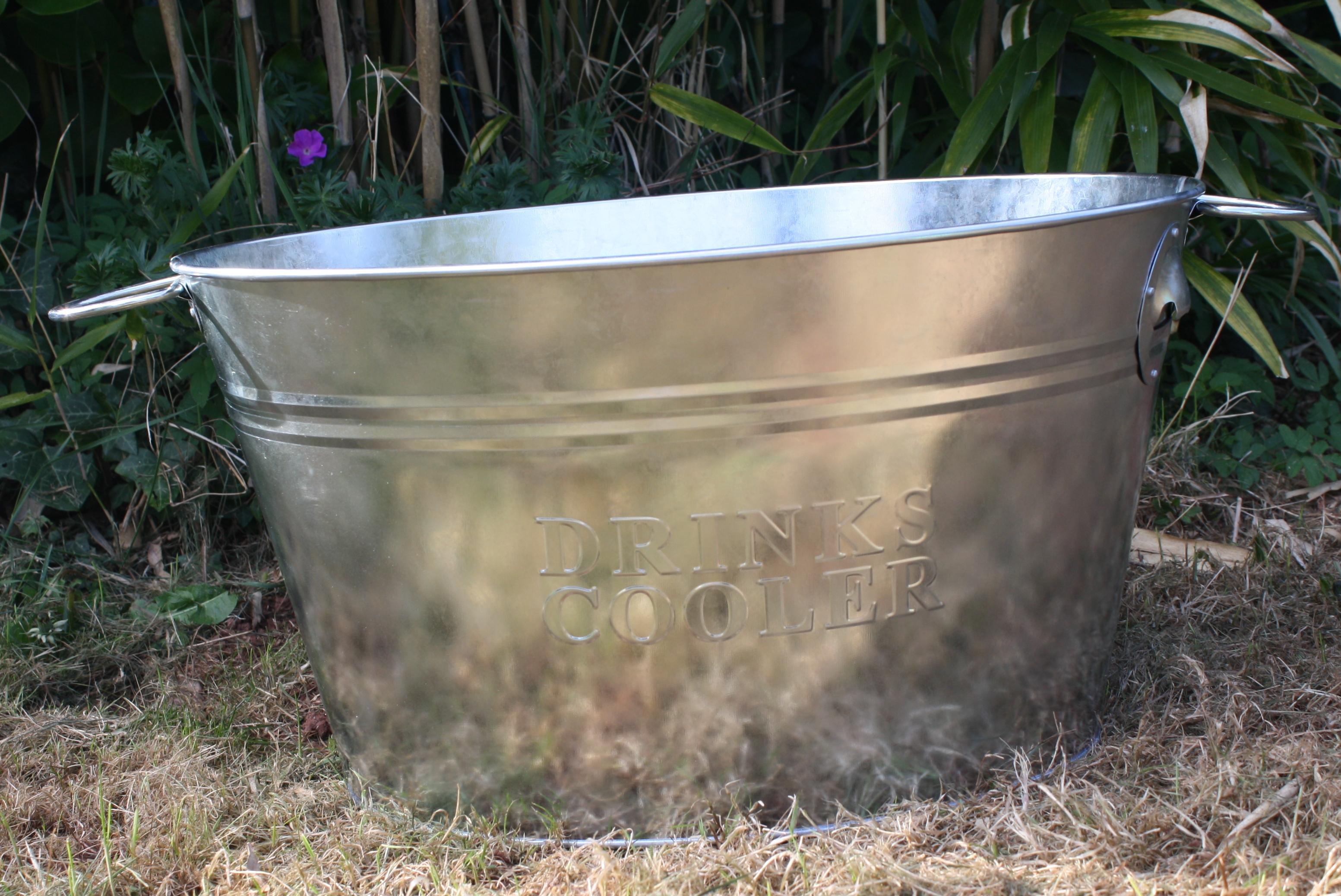 Metal drinks bucket