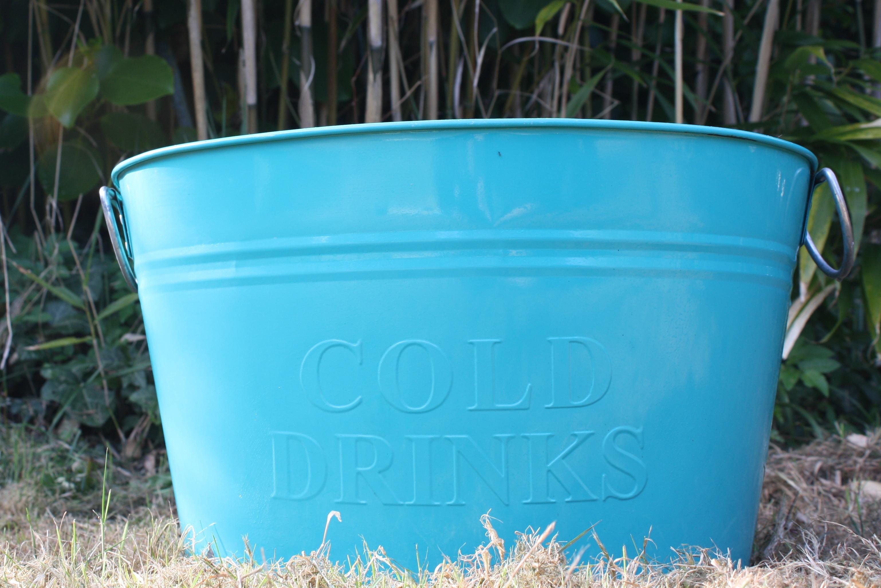 Teal drinks bucket