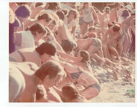 piranha-scene_stills-44.jpg