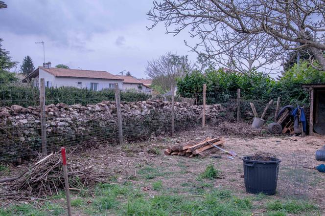 Partie de la clôture terminée