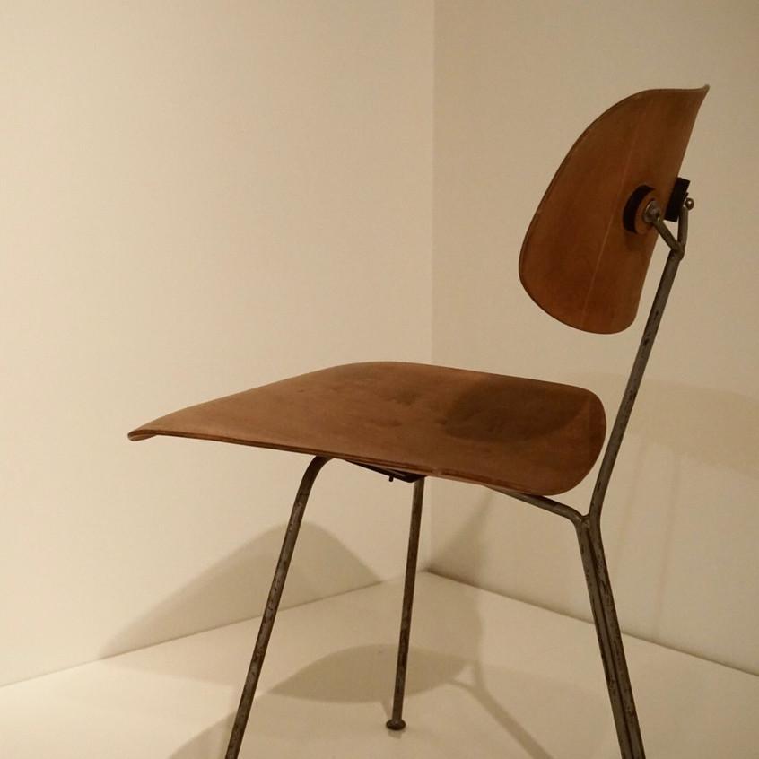 Eames 3-Legged DCM