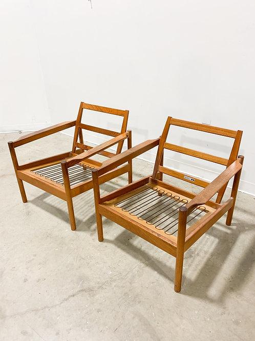 Pair of Kai Kristiansen Model 161 teak lounge chairs