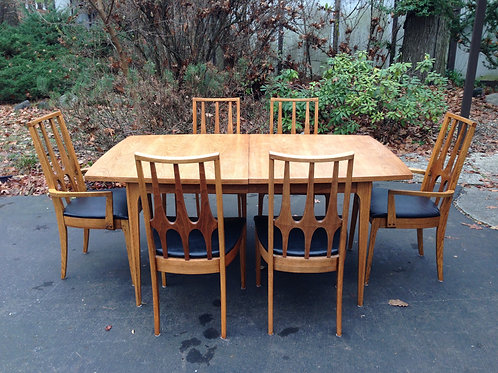 Broyhill Brasilia Dining Table with 6 chairs